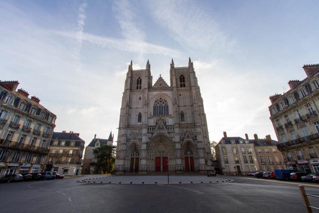 la place de la cathédrale désert