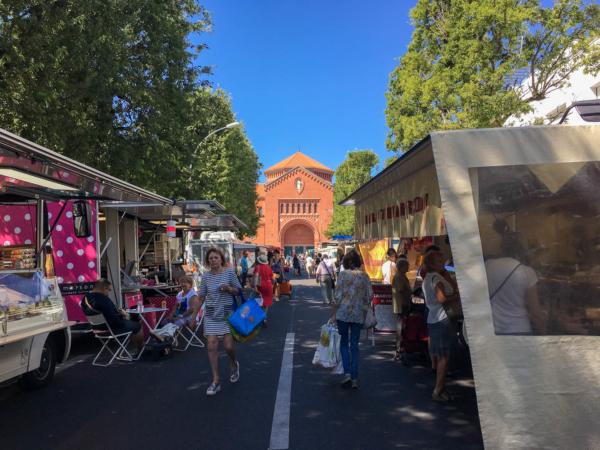 marché dans le quartier des Américains à Nantes
